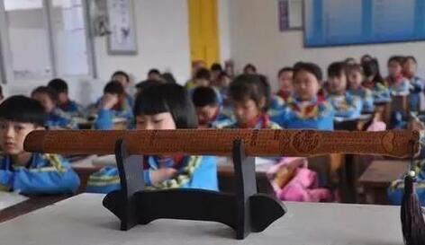 岚县新闻:孩子越来越难管 戒尺该不该还老师[图