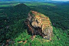 斯里兰卡狮子岩:一座200米高空的古老的宫殿
