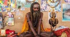 印度90岁瑜伽大师77年不吃不喝骗局 印度瑜伽大师最高境界?