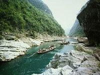 中国近700年的灵异事件:1986年神农架当地村民在水潭中发现3只巨型水怪