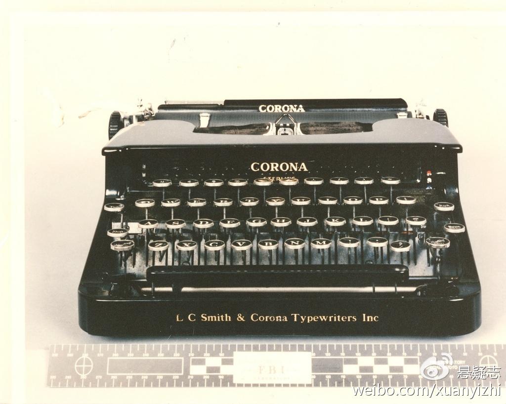 就是这台手动打字机