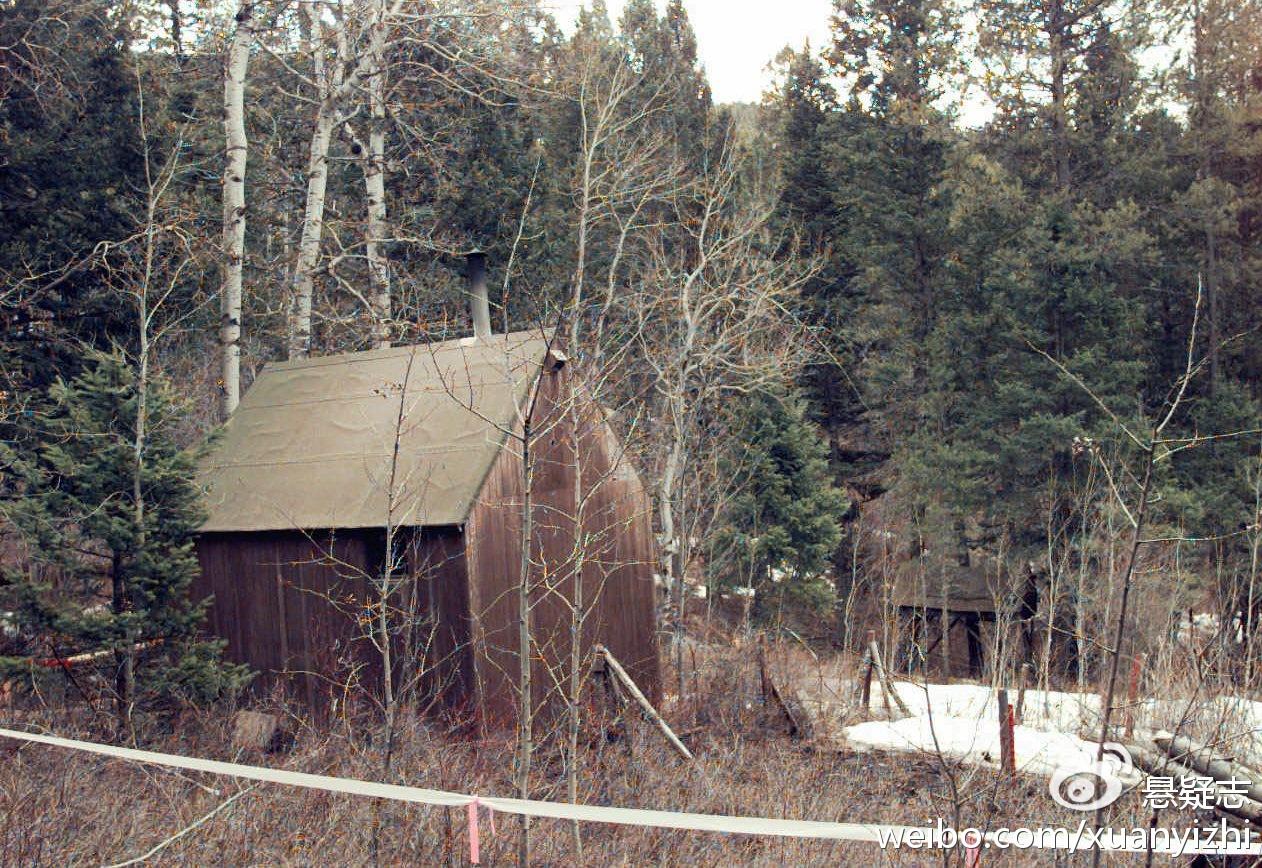 就是在这座林中小屋被抓的