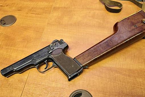 斯捷奇金手枪为何又叫暴雨梨花针?斯捷奇金手枪到底厉害在什么地方?