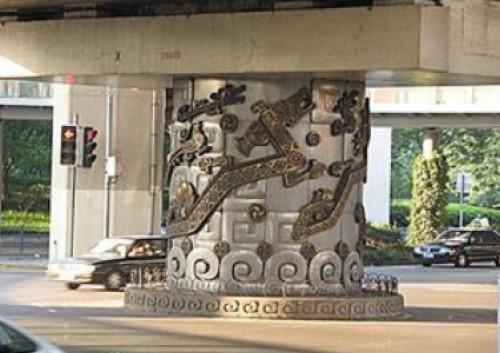 上海高架的龙柱