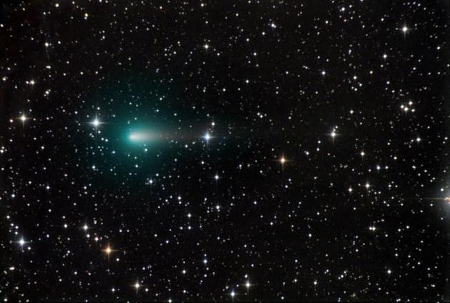 """天体摄影师克里斯・舒尔于2020年4月9日在亚利桑那州拍摄到这张Atlas彗星的照片,他说:""""现在这颗彗星看起来很分散,希望在近日点附近还能看到一些奇特现象!"""""""