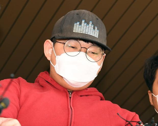 韩国N号房创建人身份照片公开:24岁大学生 性格内向
